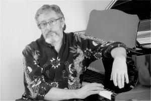 Jacques Chuilon au piano NetB